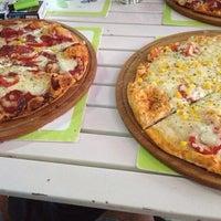 7/23/2013 tarihinde Elif İ.ziyaretçi tarafından Pizzacı Altan'de çekilen fotoğraf