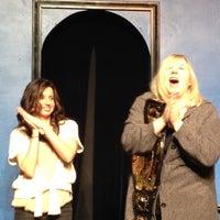 3/2/2012 tarihinde Vince A.ziyaretçi tarafından iO West Theater'de çekilen fotoğraf