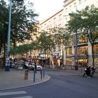 รูปภาพถ่ายที่ Mariahilfer Straße โดย Jaromir S. เมื่อ 7/27/2012