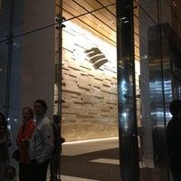 Foto tirada no(a) Bank of America Tower por Hsini em 10/6/2012