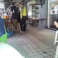 Foto tomada en Restoran Fan Yoon por Bimmer C. el 9/23/2012
