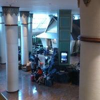 Foto diambil di Le Méridien Jakarta oleh Ibnu S. pada 2/24/2013