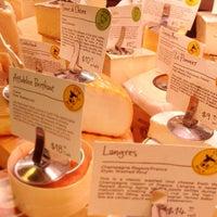Foto tomada en Antonelli's Cheese Shop por Larry L. el 4/2/2013