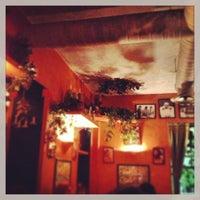 Foto tomada en Trattoria Pulcinella por Bea V. el 1/22/2013