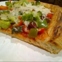 Снимок сделан в Nonna's L.E.S. Pizzeria пользователем Roshni B. 12/10/2012