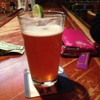 2/17/2013にLeanne B.がCostello's Tavernで撮った写真