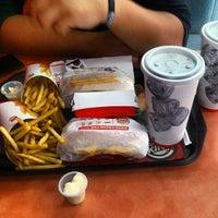 Foto tomada en Burger King por Victor B. el 9/2/2013