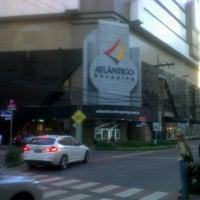 Foto tirada no(a) Atlântico Shopping por Dialison C. em 5/10/2013