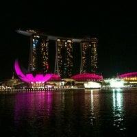 Foto tomada en Marina Bay Downtown Area (MBDA) por HJ el 10/2/2012