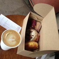4/29/2013にWei-Shine C.がSidecar Doughnuts & Coffeeで撮った写真