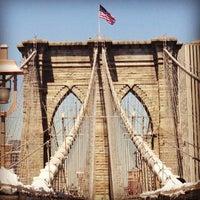 Das Foto wurde bei Brooklyn Bridge von Grant B. am 5/2/2013 aufgenommen