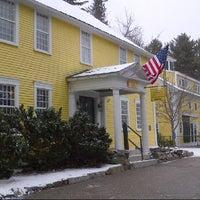 รูปภาพถ่ายที่ Three Chimneys Inn โดย Steven C. เมื่อ 12/1/2012