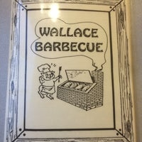 Foto diambil di Wallace Barbeque oleh Victual Q. pada 7/20/2016