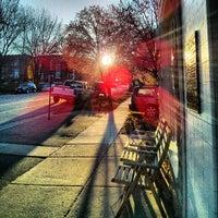 Foto diambil di Avenues Bistro on Third oleh Dan G. pada 4/18/2013
