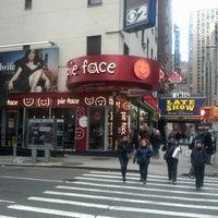 รูปภาพถ่ายที่ Pie Face โดย Robert H. เมื่อ 1/4/2013