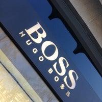 Foto tomada en BOSS Store por Mathieu R. G. el 3/16/2014