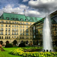 Photo prise au Hotel Adlon Kempinski Berlin par Daddy K. le9/23/2012