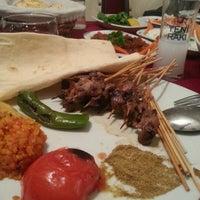 รูปภาพถ่ายที่ Topçu Restaurant โดย Gizem เมื่อ 3/8/2013