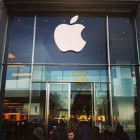 Das Foto wurde bei Apple Jungfernstieg von nicolas am 3/23/2013 aufgenommen