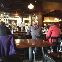 Photo prise au Le Grand Bistro & Oyster Bar par CindyLou le10/27/2012