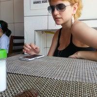 12/7/2012 tarihinde Jean R.ziyaretçi tarafından Janela Aberta Lanches'de çekilen fotoğraf