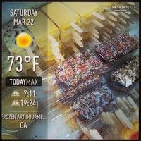 Foto scattata a Frozen Art Gourmet Ice Cream da Frozen A. il 3/22/2014