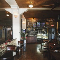 Foto tirada no(a) Ma Rouge Coffee House por oli m. em 12/11/2015