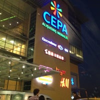 รูปภาพถ่ายที่ Cepa โดย Mustafa เมื่อ 11/15/2012