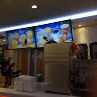 Foto tirada no(a) CoCo Fresh Tea & Juice por Du Hee L. em 10/26/2013