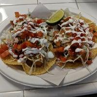 Foto scattata a Los Mariscos da Fred W. il 10/2/2018