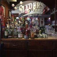 Photo prise au Slyder's Tavern par Mark B. le4/28/2018