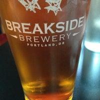Foto scattata a Breakside Brewery da Julie C. il 7/28/2013