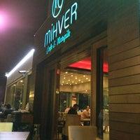 รูปภาพถ่ายที่ Mihver Cafe & Nargile โดย SAMETÇAKMAK เมื่อ 7/18/2013