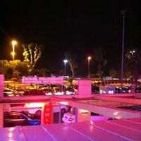 5/30/2013 tarihinde Ahmet A.ziyaretçi tarafından Palace Cafe Restaurant & Bowling'de çekilen fotoğraf