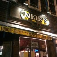 Foto tirada no(a) Neir's Tavern por Victor L. em 7/10/2013