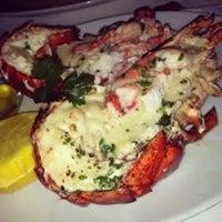 รูปภาพถ่ายที่ Eddie V's Prime Seafood โดย Mark Q. เมื่อ 12/23/2012