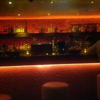 Das Foto wurde bei Oola Restaurant & Bar von Gino am 4/6/2013 aufgenommen