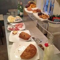 Foto scattata a Hotel & Residenza Broletto da Fabrizio B. il 11/23/2012
