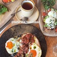 12/3/2019 tarihinde Heba .ziyaretçi tarafından La Farola Cafe & Bistro'de çekilen fotoğraf