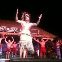 1/14/2013 tarihinde Mandy D.ziyaretçi tarafından Paradise Cove Luau'de çekilen fotoğraf