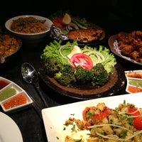 Das Foto wurde bei Lotus Land South Asian Food von Eva H. am 12/3/2012 aufgenommen