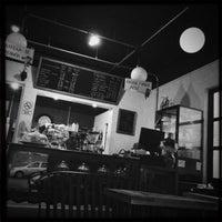 Das Foto wurde bei Otro Café von Leonardo am 11/19/2014 aufgenommen