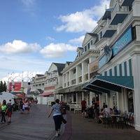Снимок сделан в Disney's BoardWalk пользователем Corey M. 4/11/2013