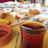 Photo prise au MMK Yeldeğirmeni Restaurant Yalıkavak par Rasih U. le5/29/2016