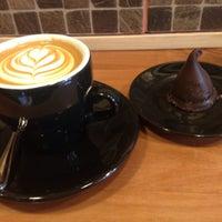 Foto tirada no(a) Bloom Specialty Coffee por Loreto O. em 6/28/2015