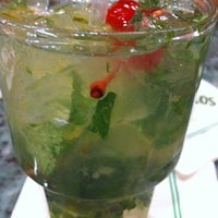 Photo prise au Mojitos Cuban Restaurant par Jorge S. le1/6/2013
