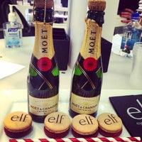 Foto tirada no(a) Elf Cosmetics HQ por Jacqueline L. em 12/5/2014