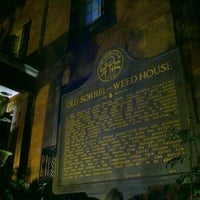 Das Foto wurde bei Sorrel Weed House - Haunted Ghost Tours in Savannah von Cory S. am 3/2/2013 aufgenommen