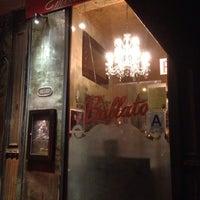 Das Foto wurde bei Emilio's Ballato von Al A. am 6/11/2013 aufgenommen
