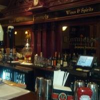Снимок сделан в Emmet's Irish Pub пользователем Robert L. 11/10/2012